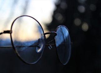 Czy modne oprawki są w stanie zachęcić do noszenia okularów?
