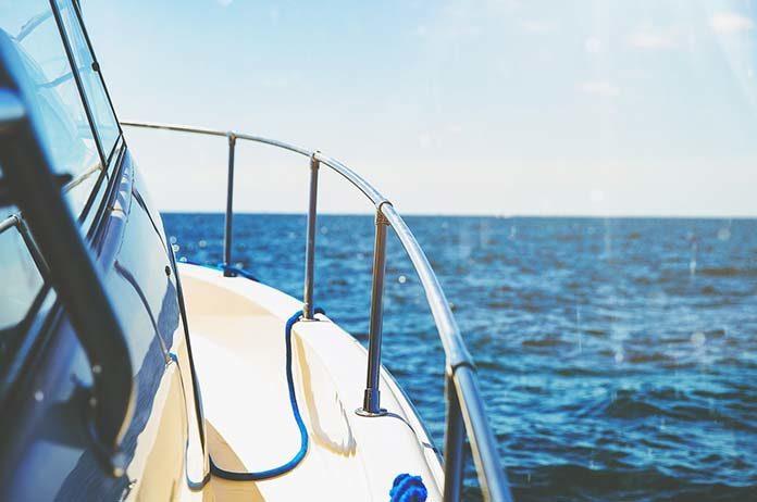 Czarter jachtów – Mazury czy Bałtyk?
