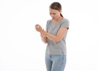 Reumatyzm wiąże się z bólem stawów i kości